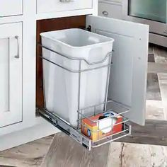 Kitchen Organization Pantry, Small Kitchen Storage, Kitchen Redo, Home Organization, Kitchen Design, Kitchen Ideas, Kitchen Layout, Kitchen Garbage Can Storage, Medicine Organization