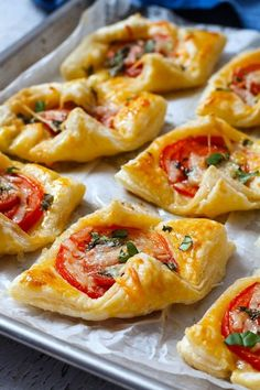 Mother's Day brunch: These Pepperoni Basil Tomato Puffs make the perfect treat to delight you one special Mom! : Mother's Day brunch: These Pepperoni Basil Tomato Puffs make the perfect treat to delight you one special Mom! Finger Food Appetizers, Yummy Appetizers, Party Appetizers, Brunch Finger Foods, Tomato Appetizers, Puff Pastry Appetizers, Party Finger Foods, Easy Finger Food, Finger Food Recipes