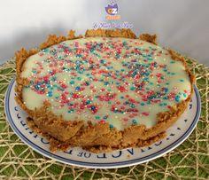 una #torta super colorata e super buona, #Torta con #Crema e cuore di #Nutella http://blog.giallozafferano.it/lericettedibea/torta-con-crema-e-nutella/