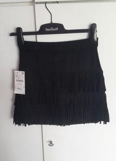 Kup mój przedmiot na #vintedpl http://www.vinted.pl/damska-odziez/spodnice/14420664-nowa-spodnica-czarna-mini-zara-roz-34-xs-fredzle