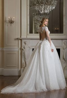 Pnina does it again! This look is gorgeous!!!! I want it for my wedding Style no. 4533