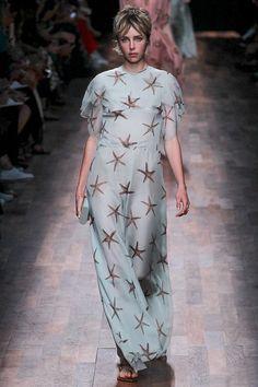 Valentino womenswear, spring/summer 2015, Paris Fashion Week