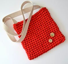 my world of wool: two bags made with t-shirt yarn and Lykke Li - I Never Learn