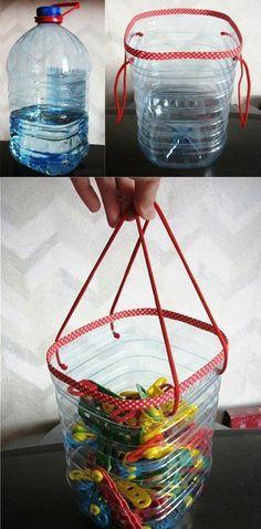 que faire avec des bouteilles en plastique, un coffre à jouets fabriqué à partir d une grande bouteille d eau minerale