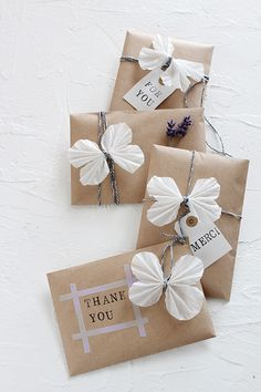 Gift wrapping idea Best Picture For funny DIY Gifts For Your Taste You are looking for something, and it is … Wrapping Ideas, Creative Gift Wrapping, Creative Gifts, Wrapping Gifts, Brown Paper Wrapping, Japanese Gift Wrapping, Wrapping Papers, Wedding Gift Wrapping, Valentine Day Gifts
