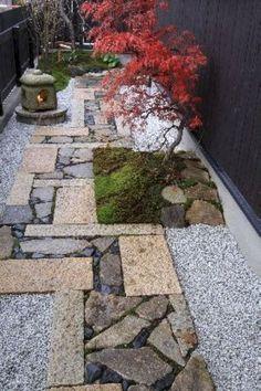 Gorgeous 100 Awesome Garden Pathway Design Ideas https://bellezaroom.com/2018/04/16/100-awesome-garden-pathway-design-ideas/