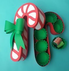 Cute candy cane box. The pattern and instructions are in the link. Perfect for giving a gift from your kitchen.