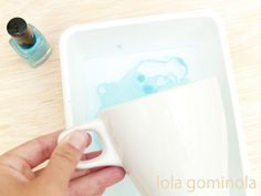 DIY Tazas estampadas con pintau�as Inspire, Tableware, Blog, Inspiration, Bonbon, Crochet Baby, Mugs, Water, Projects