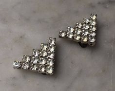 Vintage Pair of Prong Set Crystal Rhinestone Triangle Shoe Clips // Geometric Style Jewelry // Wedding Bridal Fashion Accessory