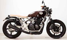ϟ Hell Kustom ϟ: Kawasaki Zephyr 550 By ÑRT Classics