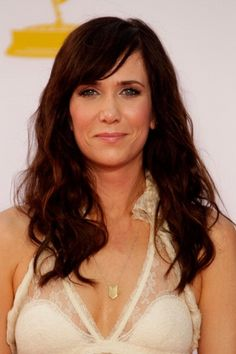 Kristen Wiig's brunette side-swept fringe - Emmys 2012