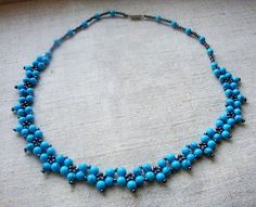 Free pattern for beaded necklace Daria   U need: seed beads 11/0 round beads 4-6 mm Start with 2 needles