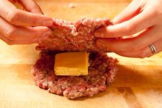 Juicy Lucy Burger (a.k.a. Jucy Lucy) Recipe