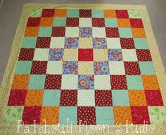 Patchouli Moon Studio: Lil' Twister Trip-Around-the-World Quilt