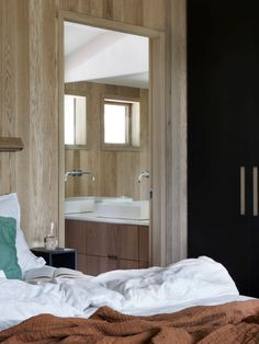 A room for life. Hamran interiors are tailor made for every room to suit every need. Together with the customer, we create spaces to be lived in. Scandi Style, Scandinavian Design, Nordic Interior, Interior Design, Scandinavian Furniture, Create Space, Sustainable Design, Oslo, Kitchen Design