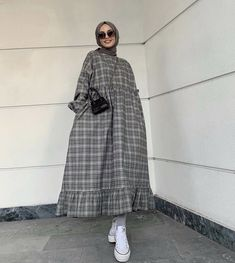 Hijab Chic, Muslim Fashion, Normcore, Fashion Outfits, My Style, Fashion Suits, Moslem Fashion, Dressy Outfits