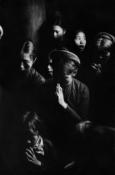 Prayer in a catholic church in Phat Diem, North Vietnam, 1969 Marc Riboud, Long Pictures, Take Shelter, Become A Photographer, North Vietnam, Moving To Paris, French Photographers, Magnum Photos, Father And Son