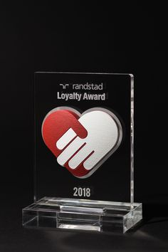 This year Randstad decided to thank their long-term partners with the Randstad Loyalty Awards, we had the honor to design and produce these fancy trophies!