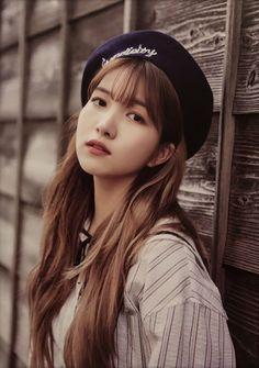 Kpop Girl Groups, Kpop Girls, Korean Girl Band, Kim Ye Won, Gfriend Sowon, Cloud Dancer, Korean Entertainment, G Friend, Girl Bands