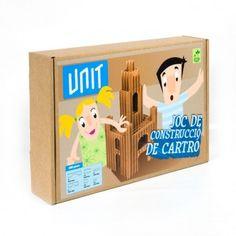 UNIT-JUEGO DE PIEZAS DE CARTÓN UNIT es un juego de construcciones formado de piezas de cartón. Consiste en ir encajando las diferentes unidades e ir construyendo. ¡Perfecto para todas las edades! #MWMaterialsWorld #cardboardgames #juegoconstrucción #juguetecartón Diy Y Manualidades, Material World, Toy Chest, Storage Chest, The Unit, Toys, Proposal, School Supplies, Paper Envelopes