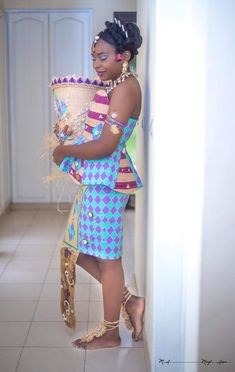 Jesus Reigns, Kente Dress, African Traditional Wedding, Africa Style, African Weddings, Africans, Africa Fashion, African Attire, African Beauty