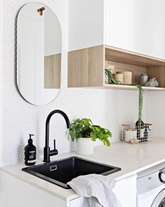 You've seen it before but you loved it so much I'm sharing again! The gorgeous little laundry/powder room from my caringbah project late… Kitchen Interior, Interior Design Living Room, Living Room Designs, Modern Laundry Rooms, Laundry In Bathroom, Laundry Powder, Laundry Room Remodel, Kitchen Remodel, Laundry Room Inspiration