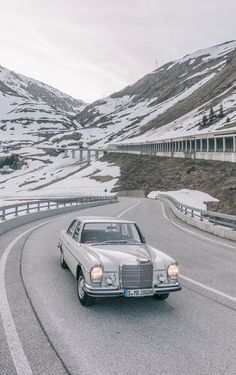 It has always been the shiniest gem on the road: the Mercedes-Benz S-Class. Mercedes W114, Old Mercedes, Classic Mercedes, Mercedes Benz Cars, Classic Motors, Classic Cars, Mercedes Benz Wallpaper, Mercedez Benz, Benz S Class
