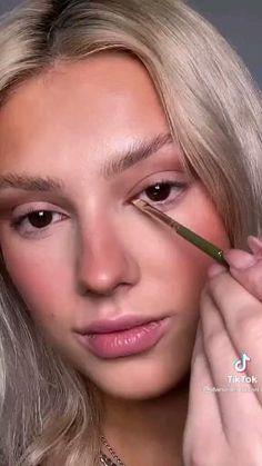 Freckles Makeup, Nude Makeup, Beauty Makeup, Hair Makeup, Asian Eye Makeup, Makeup Eye Looks, Creative Makeup Looks, Madison Beer Makeup, Model Makeup Tutorial