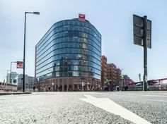 Berlin Potsdamer Platz: Past, present & future united in one spot. First traffic light in Europe, Berlin wall information & futuristic architecture. Potsdamer Platz, Berlin Wall, Traffic Light, Futuristic Architecture, Places To Go, Past, Multi Story Building, Europe, The Unit