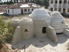 :::::housing yourself:::::: autoconstrucción de viviendas con materiales de la tierra