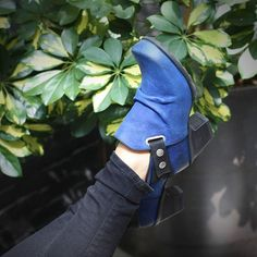 Kick your heels up in The HOLLY for a jolly good time. Available in blue and black colo(u)rways in stores and online now!