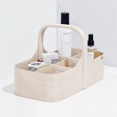 Koppa is a minimalist design created by Finland-based designer Verso Design. The box is constructed of birch wood and wool felt. Custom & DIY Minibar Design Inspirations and Ideas for your Mancave Muji, Bathroom Accessories, Home Accessories, Bois Diy, Wood Magazine, Living Room Storage, Scandi Style, Bathroom Styling, Design Bathroom