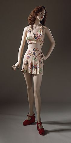 Printed rayon two-piece playsuit, American (California), c. 1940.