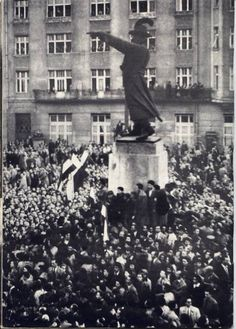 Russian Imperialism: The Soviet Invasion Of Hungary: 1956 Coalition Government, World Conflicts, Photo L, Budapest Hungary, Street Photo, Vietnam War, Pictures Images, Old Photos, Revolution