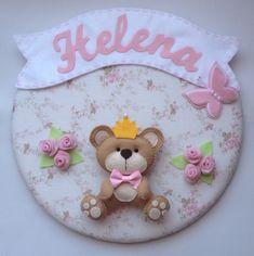 Ideal para decorar o quartinho do bebê  Produto personalizado  Confeccionada em feltro e tecido.  Tamanho 30cm de diametro  Estampa sob consulta