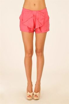 bow shorts, LOVE.