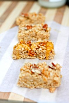 Healthy No Bake Caramel Pecan Granola Bars- A delicious, no bake granola bar recipe which is #glutenfree (gluten free), high in protein and ready in under 10 minutes- healthy to boot!