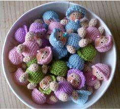 A Bowl of cute Little Babys - free pattern Crochet Elephant Pattern, Crochet Doll Pattern, Crochet Patterns Amigurumi, Amigurumi Doll, Knitting Patterns Free, Free Pattern, Knitting Ideas, Knitted Dolls, Crochet Dolls