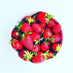 #spring #springtime #springbreak #springhascome #springfruit #fruit #strawberries #fresh #yummy #delicious #sweet #fruitphotography…