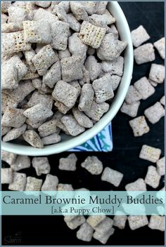 Muddy Buddies, aka Puppy Chow, is one of the most addictive snacks around. Enjoy these 27 marvelous muddy buddy recipes. Puppy Chow Snack, Puppy Chow Recipes, Bonbon Caramel, Chocolate Bonbon, Chex Mix Recipes, Snack Recipes, Dessert Recipes, Yummy Snacks, Delicious Desserts