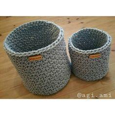 agi.ami #koszyki #dwa #sznurekbawełniany #handmade #diy #robotyreczne #agiami #byhands #sploty #crochet #instacrochet #crocheting #crochetlove #livingcrochet #knitting_inspiration #knit #instaknitting #knitting #mamaszydelkuje #mamapracuje #i_love_rekodzielo #i_loveknitting #szary #splot #wnetrza #hjeminteriør #homeinterior