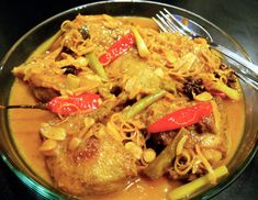 Rick Stein's Vietnamese Braised Duck in Spiced Orange Juice Whole Duck Recipes, Roasted Duck Recipes, Duck Curry, Braised Duck, Rick Stein, Roast Duck, Indian Food Recipes, Ethnic Recipes, Vietnamese Recipes