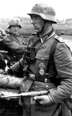 German Soldiers Ww2, German Army, Germany Ww2, German Uniforms, Ww2 Photos, Axis Powers, World War Ii, Wwii, Military