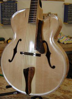 Benoit Lavoie, luthier