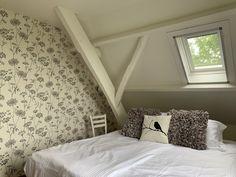 onze kamer Walnoot in de B&B Merel en Mos Bed And Breakfast, Furniture, Home Decor, Breakfast In Bed, Homemade Home Decor, Home Furnishings, Decoration Home, Arredamento, Interior Decorating