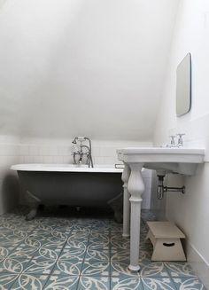 Gray Tile Bathroom Floor Tiles Freestanding Bathtub Grey Bathroom Moroccan T - Modern Moroccan Bathroom, Grey Bathroom Tiles, Loft Bathroom, Eclectic Bathroom, Grey Tiles, Upstairs Bathrooms, Grey Bathrooms, Bathroom Flooring, Moroccan Tiles