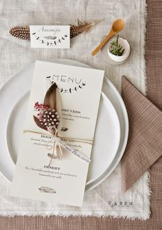 Love the use of feathers for this #Fall #TableSetting Be kind to birds, only use synthetic craft feathers!
