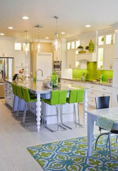 Ideas Kitchen Colors Green Cabinets Floors For 2019 Lime Green Kitchen, Green Kitchen Designs, Green Kitchen Accessories, Green Kitchen Decor, Turquoise Kitchen, Kitchen Colors, New Kitchen, Kitchen Decorations, Kitchen Modern