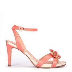 Sandalia Pedro Miralles piel color coral joya delantera y pulsera #shoes #shoeporn #peeptoes #trends #ss16 #shoes #pedromiralles #shoeaddict #madeinspain