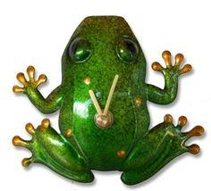 frog clock. Adorable for Em's bathroom!!!